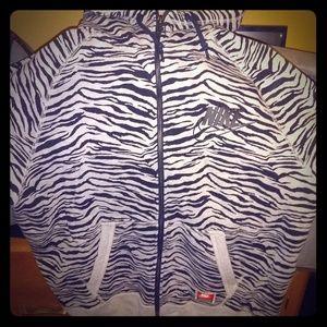 New Nike zip up hoodie